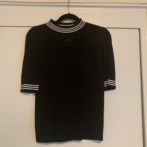 Adidas collection top size small